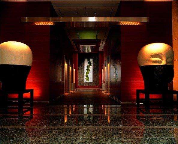 tyogh-p003-lobby-elevators