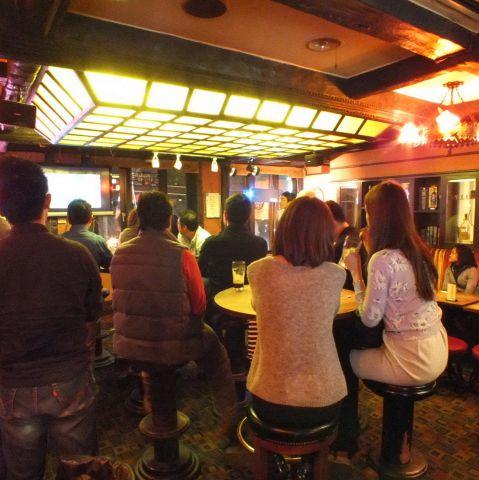 京都の老舗パブ「Pig & Whistle」