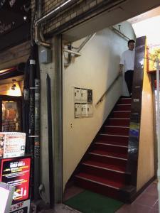 バイブバーの階段