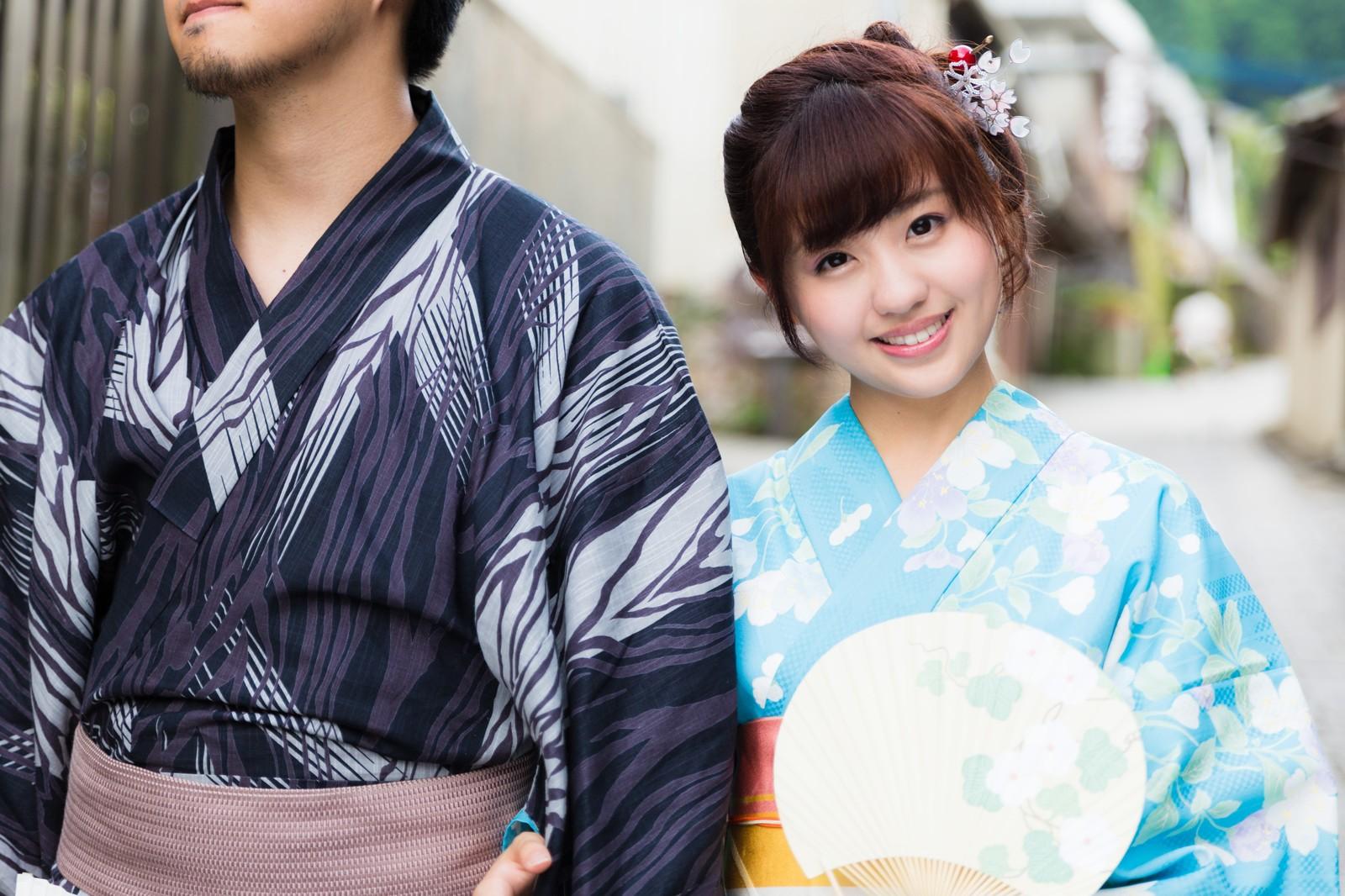 東京湾納涼船の浴衣カップル
