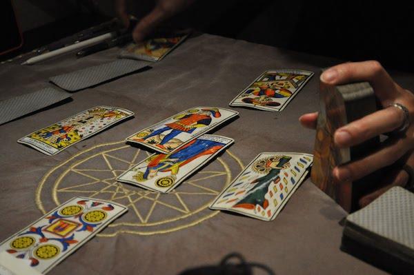 カードを並べる
