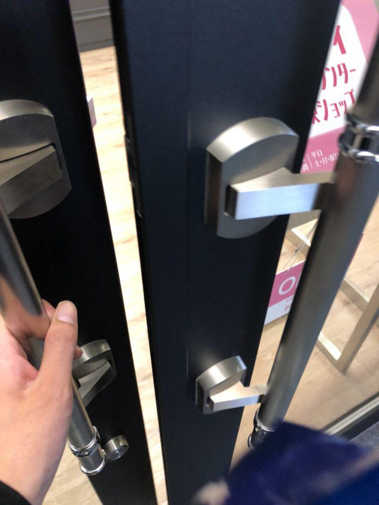 緊張の入店