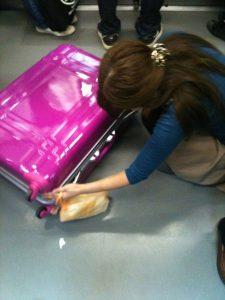 ピンクのキャリーケース