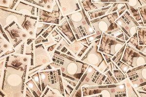 大量の1万円札