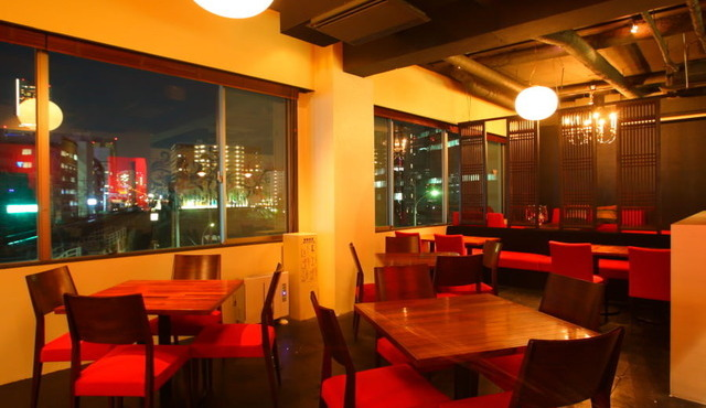 Dining&cafe Bar Living横浜