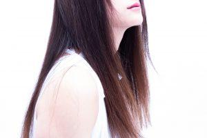 色白ロングヘア