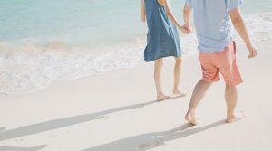 砂浜でデート