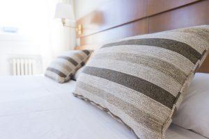 pillows-1031079_640