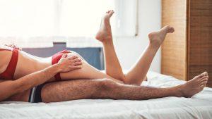 103d6732-ec50-4c4e-97f5-65807378977f-sexy-couple-in-bed