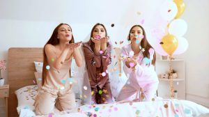 beautiful-young-women-hen-party-pajama-party-ss-Featured-1024x573
